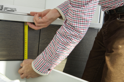 Aeg Kühlschrank Unterbau Integrierbar : Einbaukühlschrank selber einbauen oder einer fachfirma überlassen?