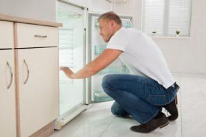Kühlschrank ausrichten